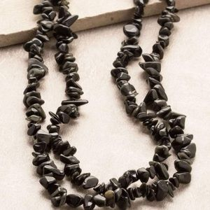 UO Natural Onyx Crystal Chip Necklace